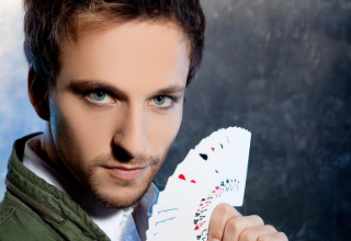 Illusionist Peter Valance