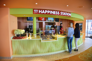 Neu auf AIDAblu: Eisbar by Langnese Happiness Station